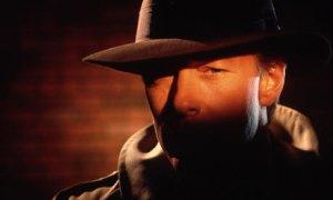 A-private-detective-001