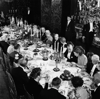 1930s-dinner-party-©-Bert-Morgan-PG-3